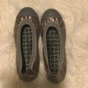 Vionic Pewter Silver Flats